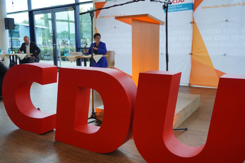 Große CDU-Buchstaben